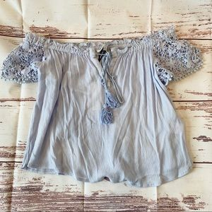 Heartloom Off the Shoulder Top w/ Lace Detail (XS)
